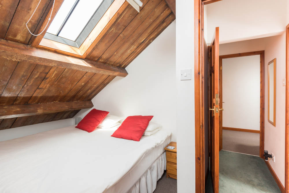 Seclusion Cottage upstairs bedroom