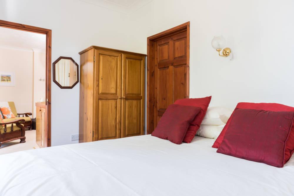 Kestrel Cottage downstairs bedroom
