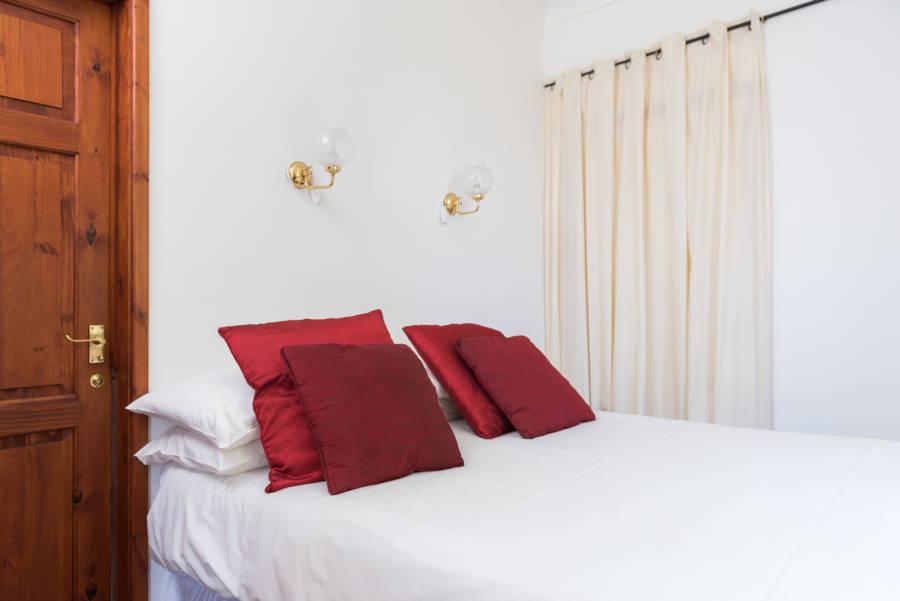 Heron Cottage downstairs bedroom